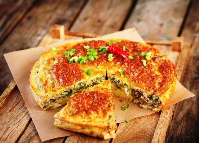 Пирог с рыбными консервами простой и быстрый на кефире