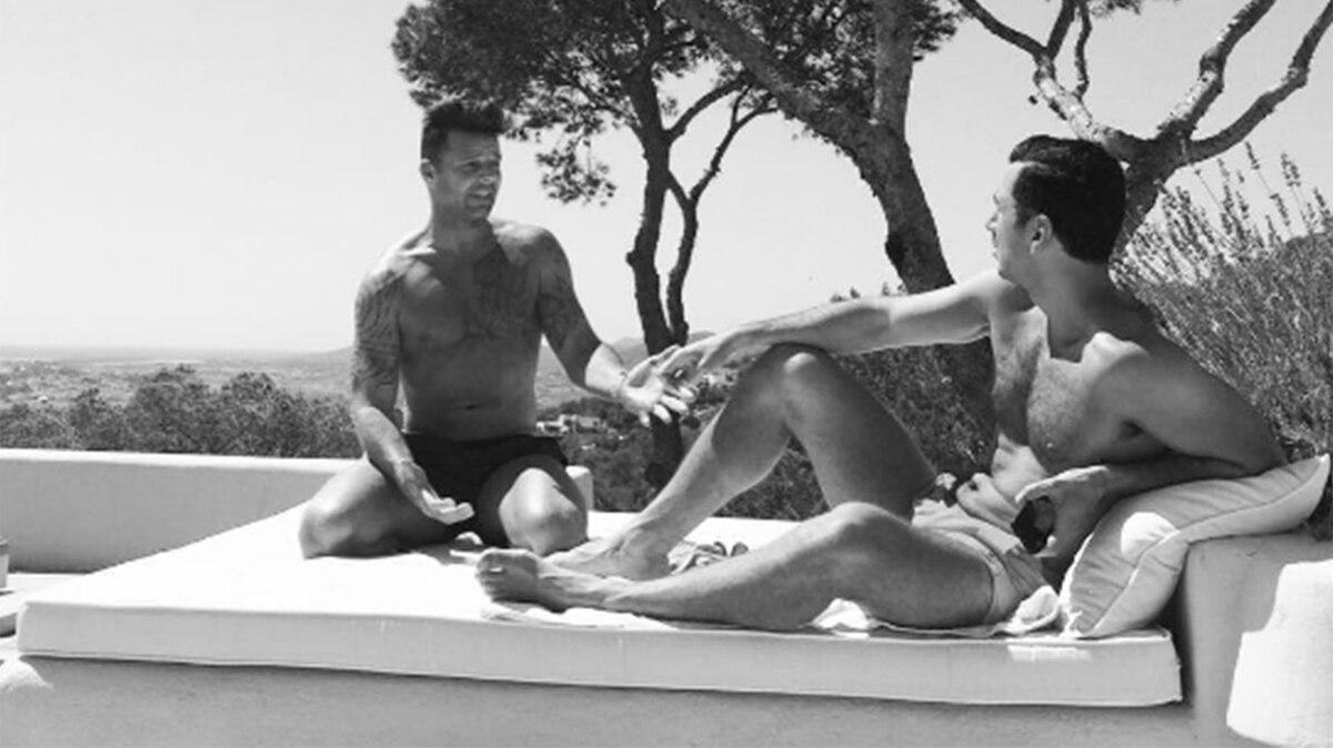 Foto de ricky martin y su pareja