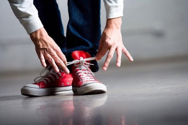 Как завязать шнурки без бантика на туфлях