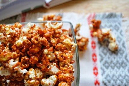 Как сделать сладкий попкорн (с карамелью) в домашних условиях - рецепт
