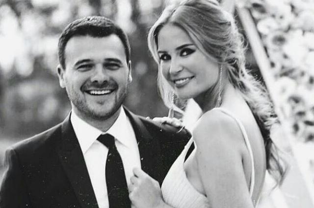 Фото эмина агаларова с женой