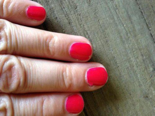 Отслаиваются гелевые ногти почему