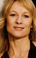 В главной роли Актриса Энджи Милликен, фильмографию смотреть онлайн.