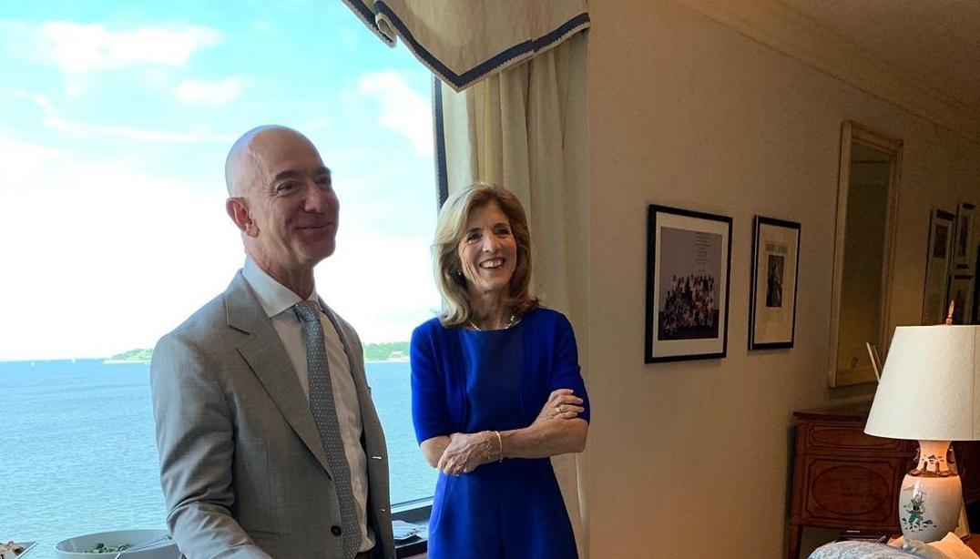 Джефф Безос купил особняк за $165 млн