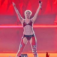 Голая актриса, певица Miley Cyrus фото, эротика, картинки - фотосессия из мужского журнала GQ на Xuk.ru! Фото 10