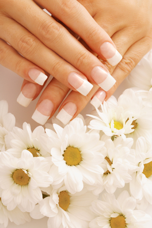 Silk overlays on natural nails