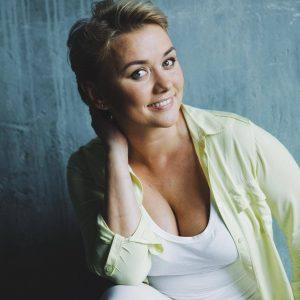 Марина Денисова грудь сиськи