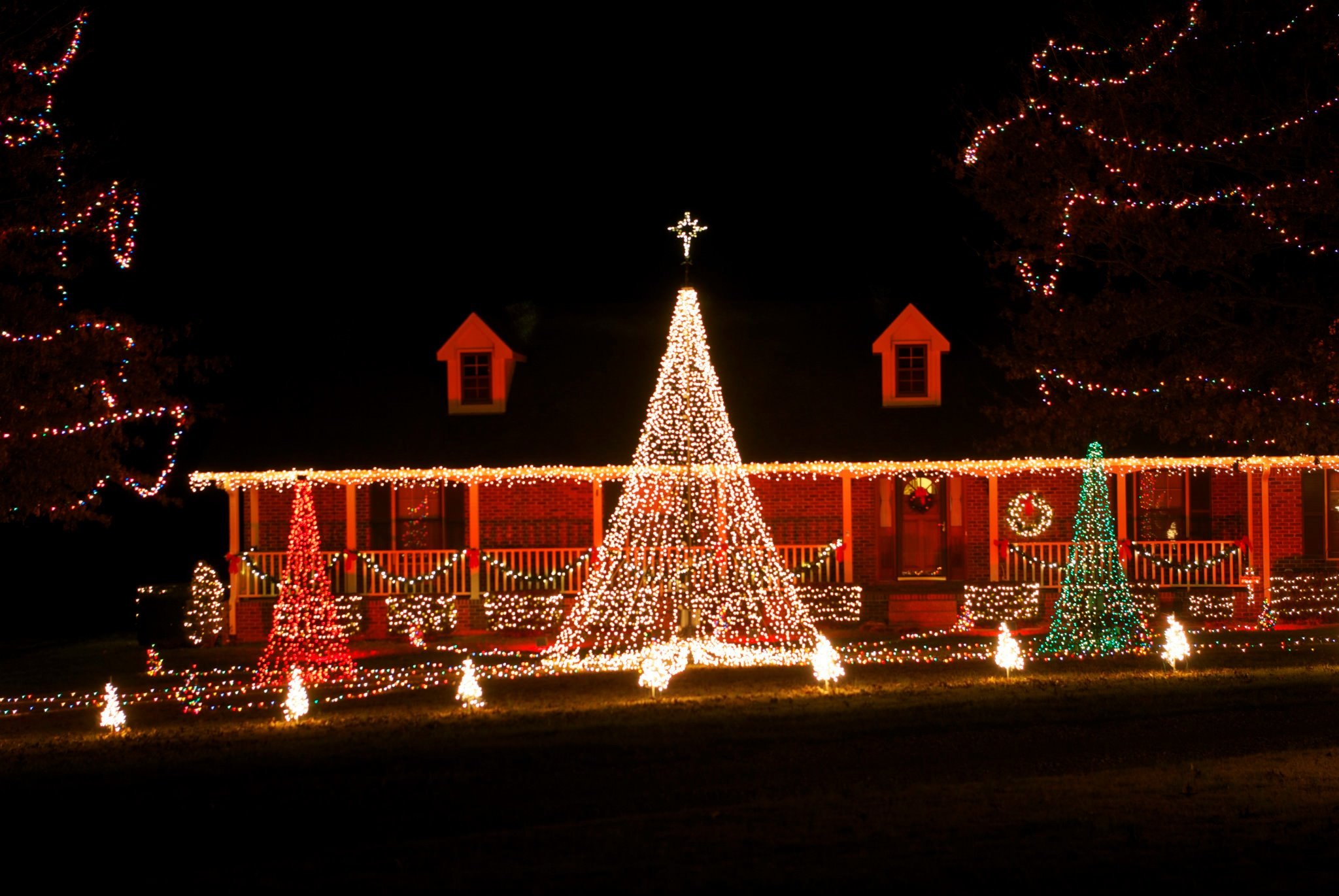 60000 lights and over 160 channels of lights o rama programming 11 years of lights still going strong - Jellystone Park Nashville Christmas Lights