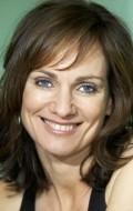 В главной роли Актриса Катрин МакКлементс, фильмографию смотреть онлайн.