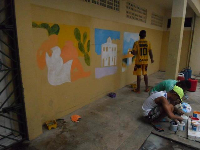 Oficina de Pintura, na falta de telas, usaram as paredes (CASE Abreu e Lima)