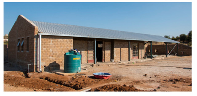 Aluwani is building an early childhood development daycare centre called the Konoto Crèche. The daycare will take care of 112 children aged from birth up to five years old. Afterwards, the children will benefit from the services of a nearby Drop-in Centre.