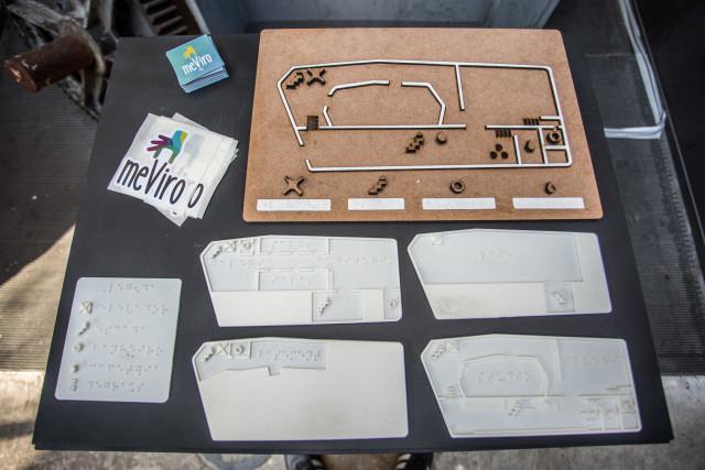 Mapas táteis feitos especialmente para os espaços do Red Bull Station