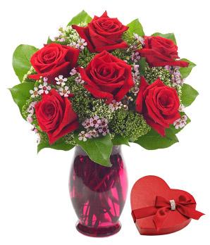 Rose Garden Bouquet with Chocolates