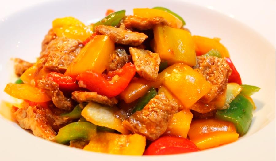 Поккым с соевым мясом. Диетическое вегетарианское блюдо.