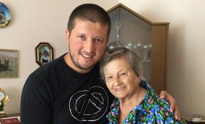 Ренат Агзамов с бабушкой