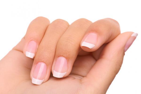 How to whiten yellow fingernails