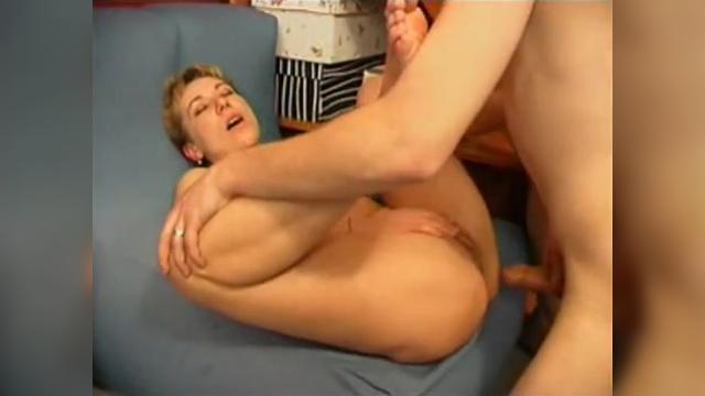 Видео как сын ебет маму