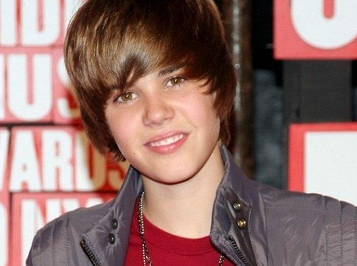 Мальчик из Канады стал кумиром миллионов девчонок