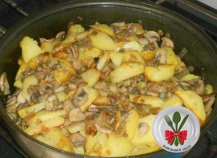 Картошка с грибами и луком жареная на сковороде рецепт с фото пошагово
