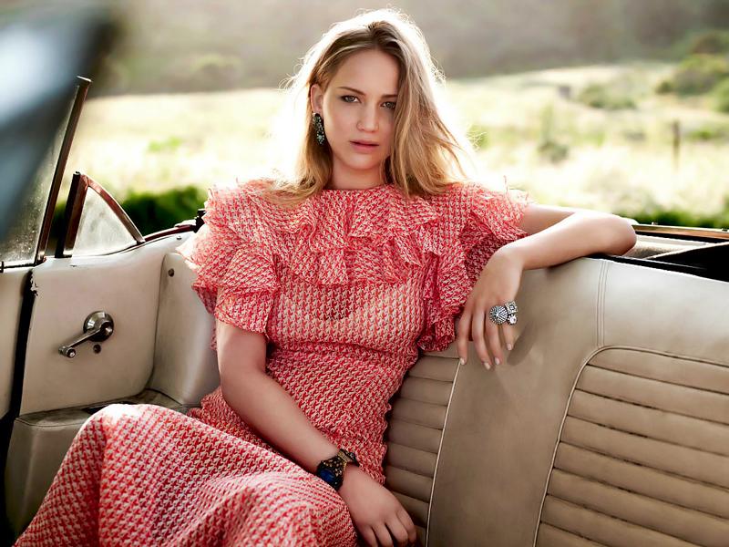 80 фото Дженнифер Лоуренс в розовом платье