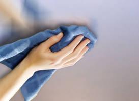 Чем отмыть тканевый натяжной потолок