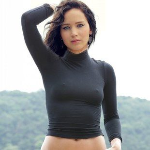 Jennifer Lawrence Celebrates Her B-Day With A Nude Vagina Pic