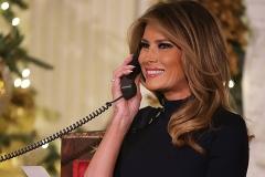 Мелания и Дональд Трамп поговорили по телефону с юными поклонниками Санта-Клауса