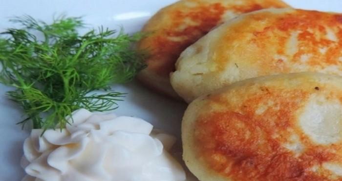 Картофельные зразы с мясом и капустой