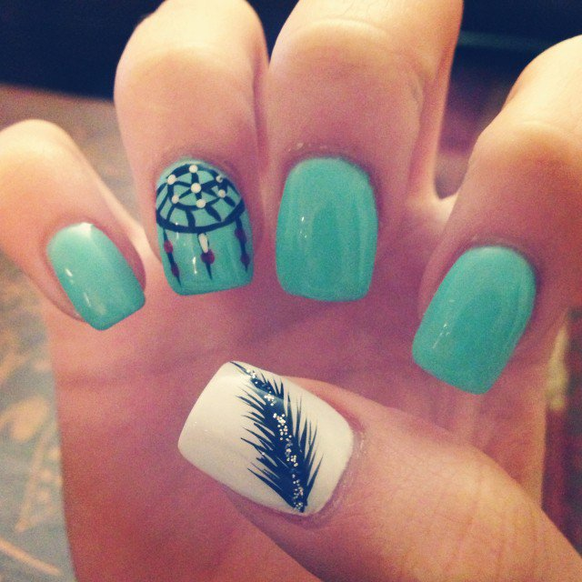 Cute mint nails