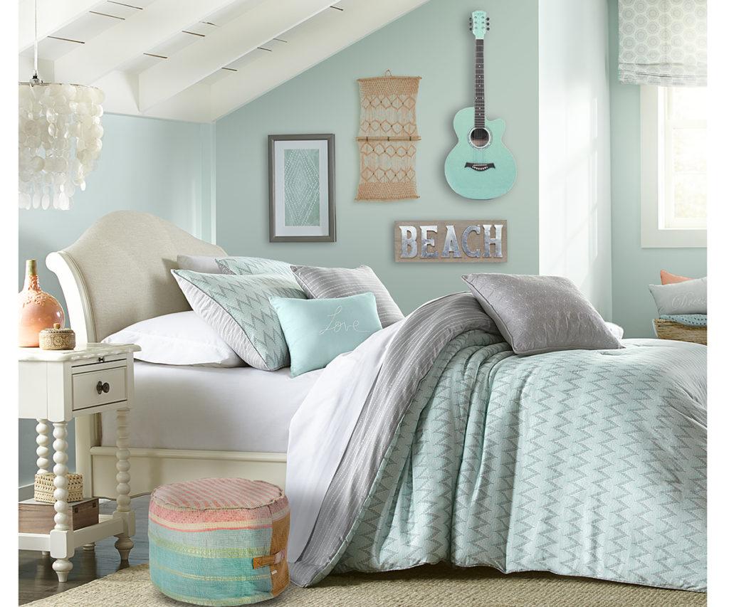 Aqua and pink bedroom ideas