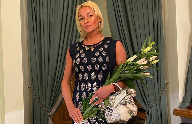 Волочкова рассказала о трудностях в получении пенсии