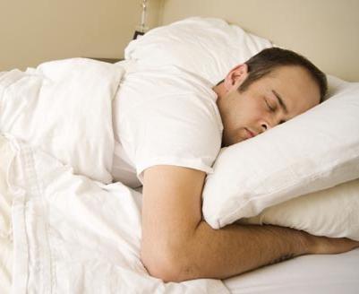 Почему нельзя спать на животе? Что присходит с организмом?