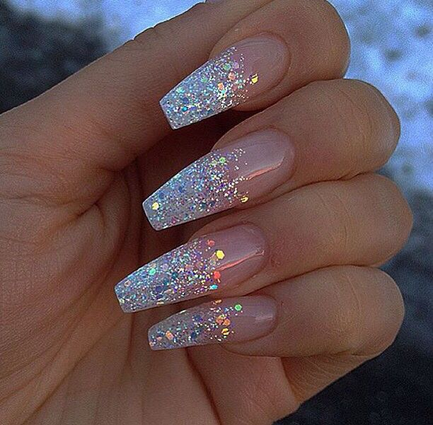 False nails with designs