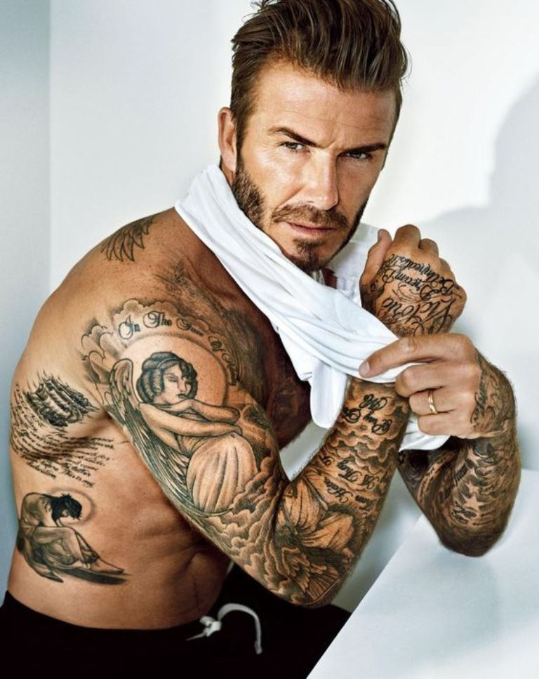 Татуировка звезды у мужчины