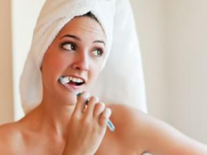 Повреждение слизистой рта зубной щеткой