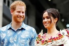В статусе мужа и жены: самые яркие снимки Меган Маркл и принца Гарри за семь месяцев брака