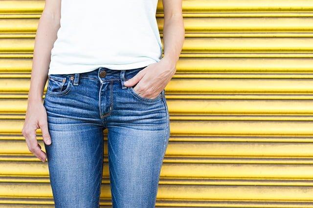 Растянулись джинсы: как убрать на джинсах растянутые коленки и прочие растянутые места