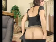 Roni's Paradise Leggings and Pantyhose Cam Show