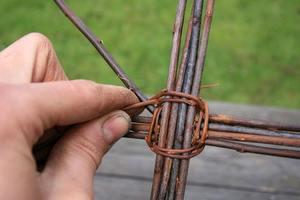 Особенности плетения из лозы