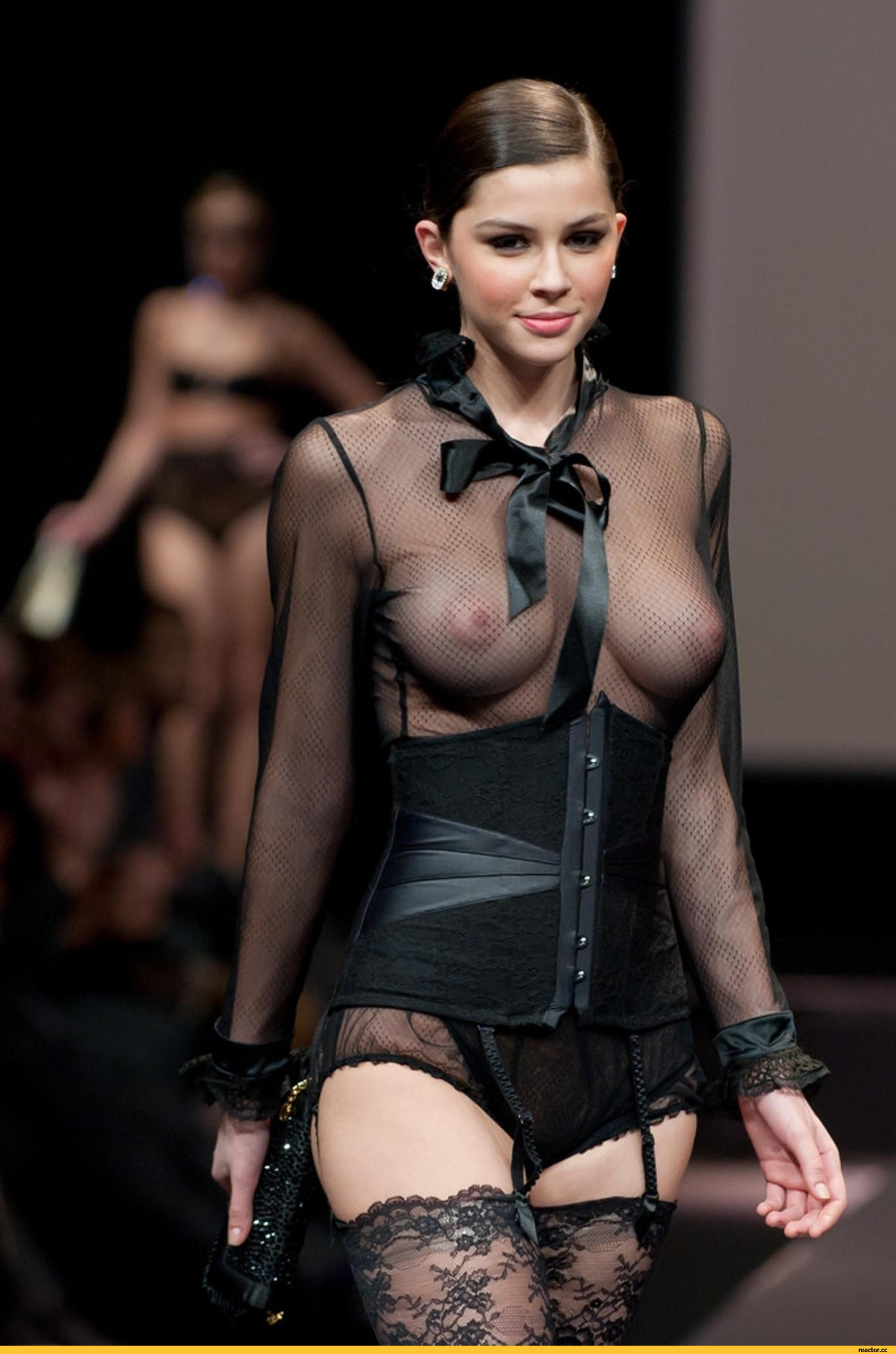1443427199_pohotinet.ru_madalina-pica-perfect-supperb-erotika-1081958
