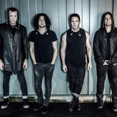 Nine inch nails contact