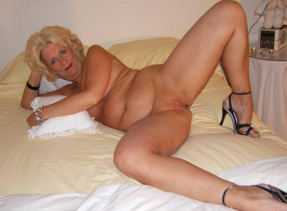 Голые зрелые тетки за 40