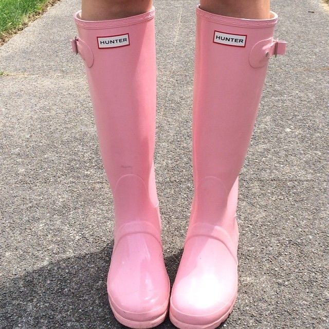 Bubble gum pink hunter boots