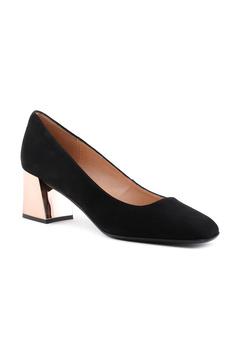 Туфли на высоком каблуке осенние