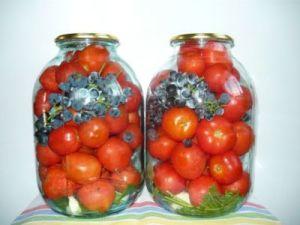 Консервированные помидоры с виноградом рецепт