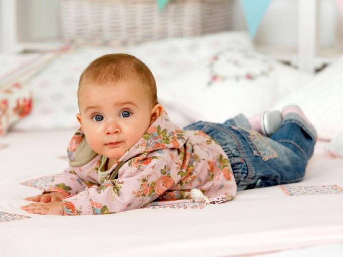 Как одевать на ночь новорожденного