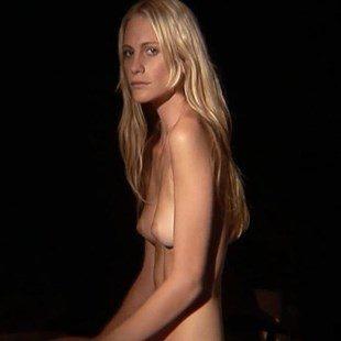 Poppy Delevigne Nude Scene And Pussy Upskirt