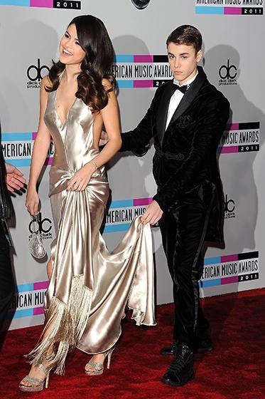 Джастин Бибер и Селена Гомез на церемонии American Music Awards 2011