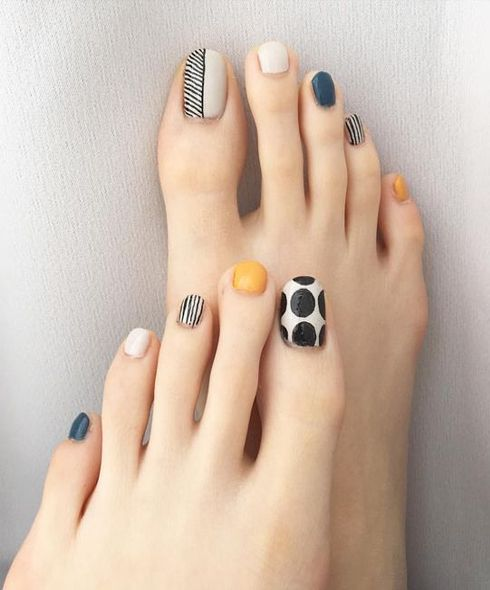 Beautiful feet with nails