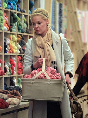 Celebrities who knit or crochet